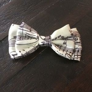 Music note bow hair clip/pin.